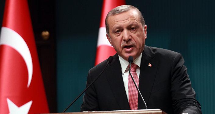 Presidente turco Recep Tayyip Erdogan durante discurso