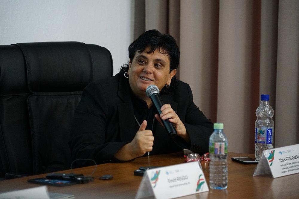 Cientista brasileira, Thais Russomano, durante uma entrevista coletiva na Universidade Russa da Amizade dos Povos (RUDN University), em Moscou, em 26 de junho de 2017