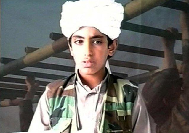 Imagem retirada de um vídeo de Hamza bin Laden, filho do ex-líder da Al Qaeda Osama bin Laden