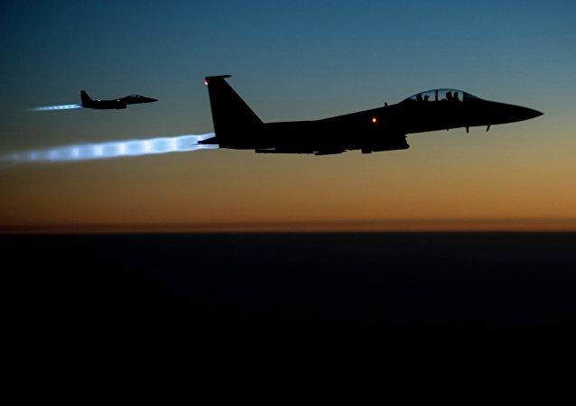 Caças norte-americanos F-15 na Síria