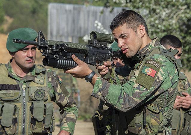 Militares portugueses durante treinamentos na base de Tancos, foto de arquivo