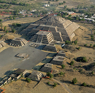 A Pirâmide da Lua vista do ar, na cidade de Teotihuacan (foto de arquivo)