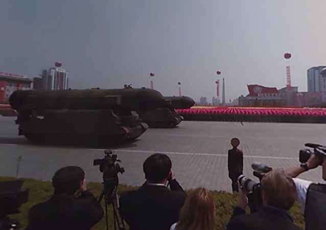 Maior desfile militar na Coreia do Norte
