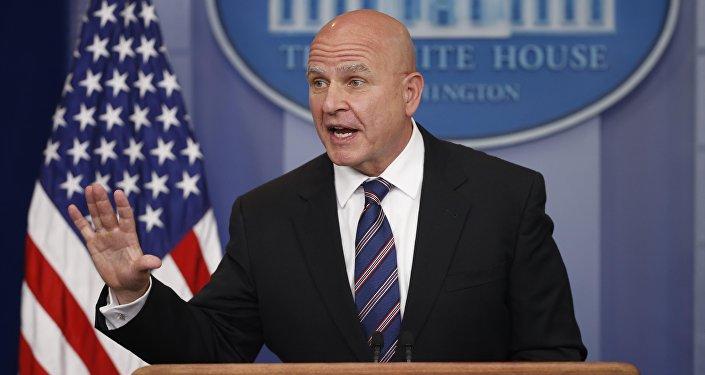Conselheiro de Segurança Nacional dos EUA, Herbert McMaster durante o briefing em Washington (foto de arquivo)