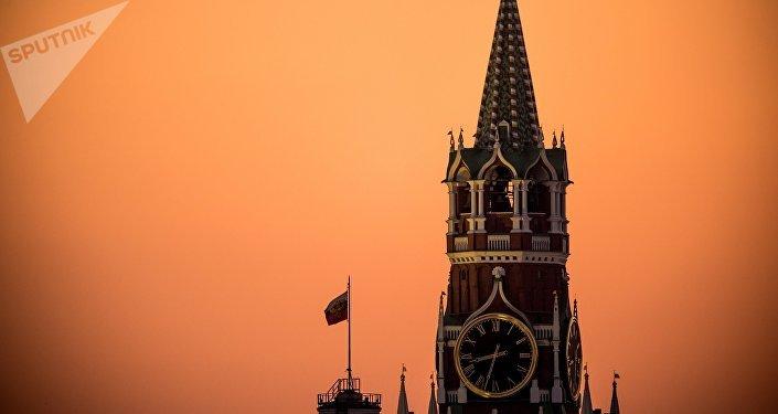Torre Spasskaya do Kremlin de Moscou, Rússia