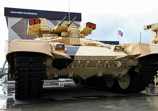 O veículo de apoio de fogo russo BMPT-72 Terminator-2