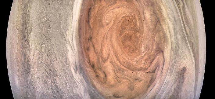 A Grande Mancha de Júpiter capturada pela sonda Juno