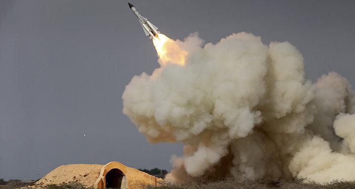 Míssil iraniano de longo alcance, foto de arquivo