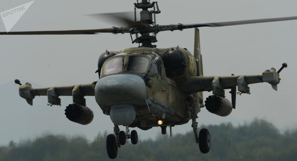 Helicóptero Ka-52 Alligator no aeródromo Chernigovka, região de Primorie, Rússia