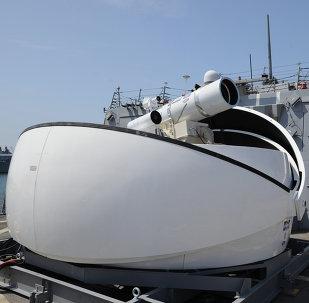 O sistema de armas de raio laser Laser Weapon System (LaWS)