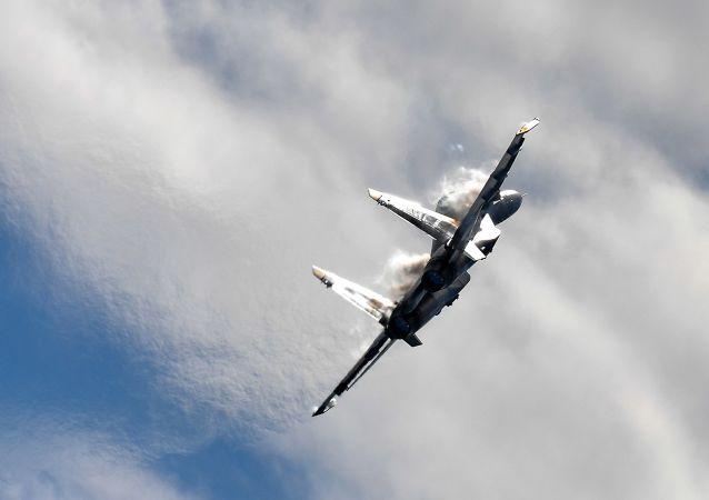 Caça multifuncional russo MiG-35 durante apresentação no salão aéreo MAKS 2017
