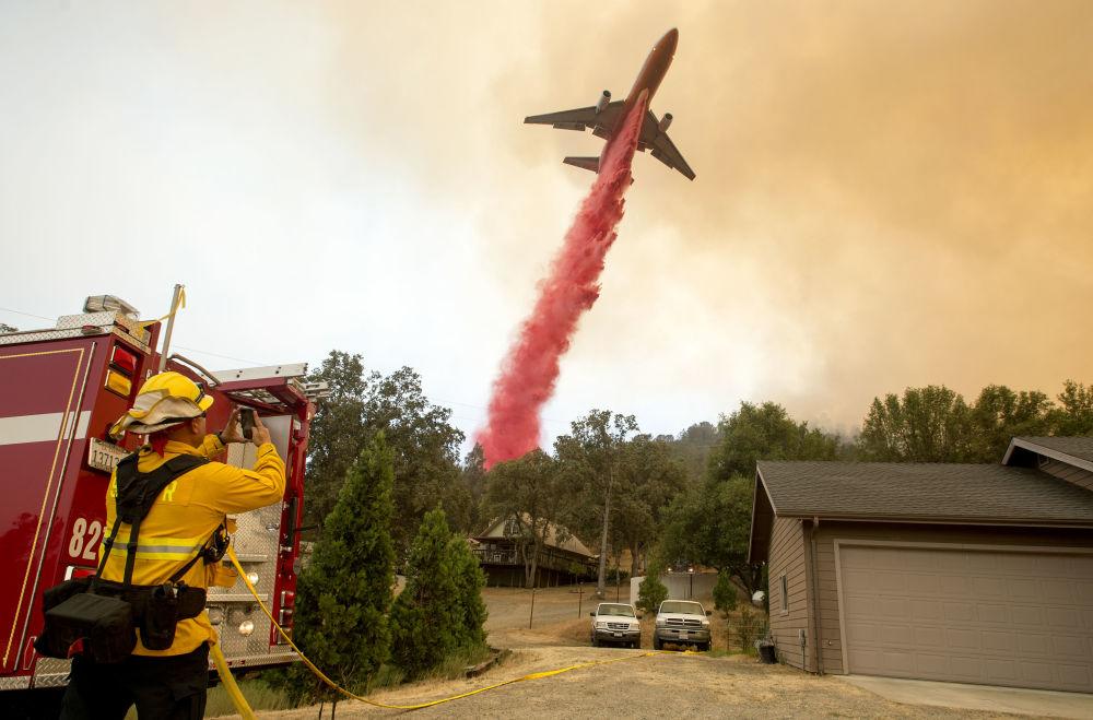 Combate ao fogo em Califórnia, EUA