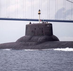 Submarino nuclear russo Dmitry Donskoi na Dinamarca