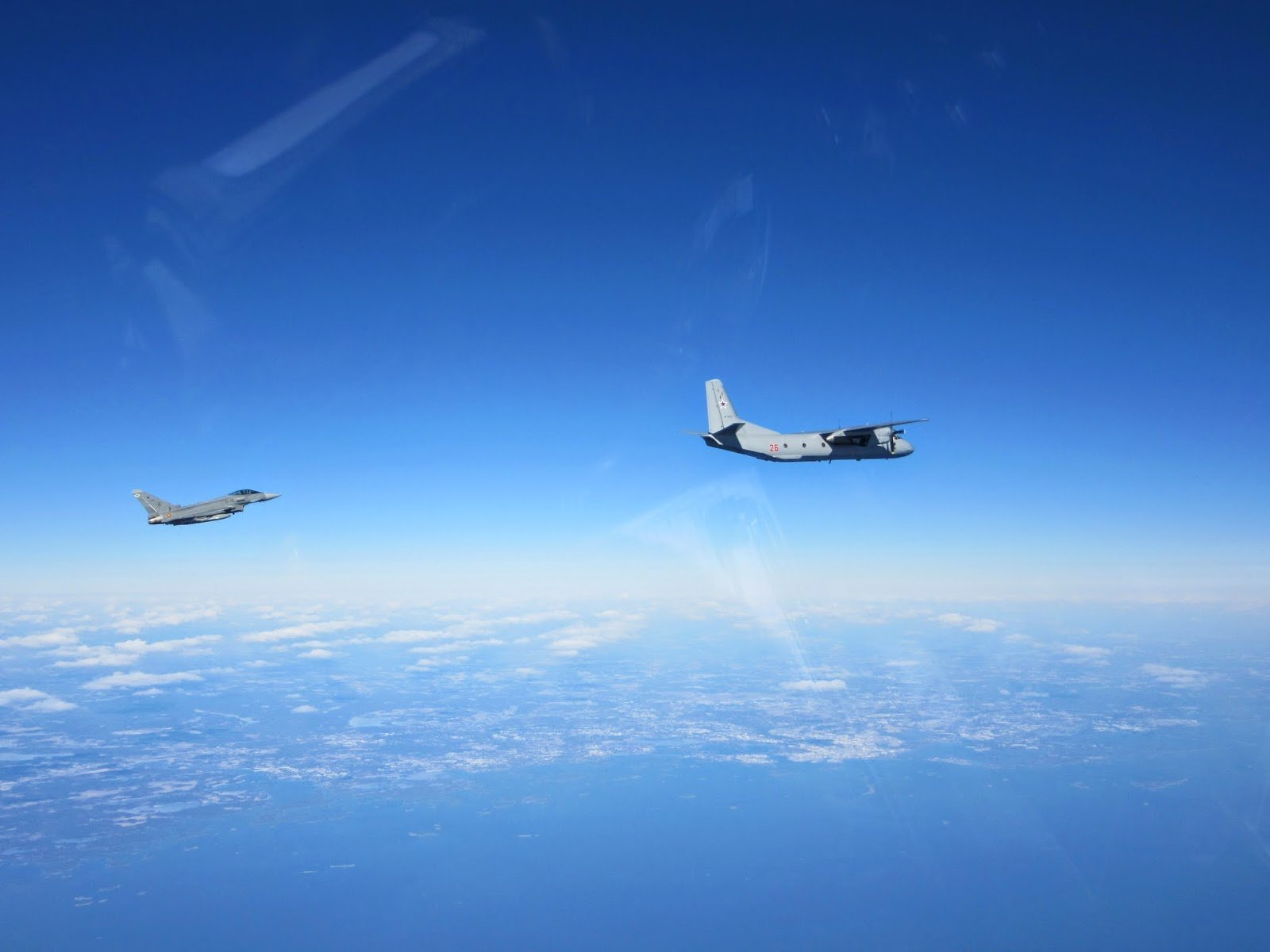 Eurofighter Typhoon e An-26