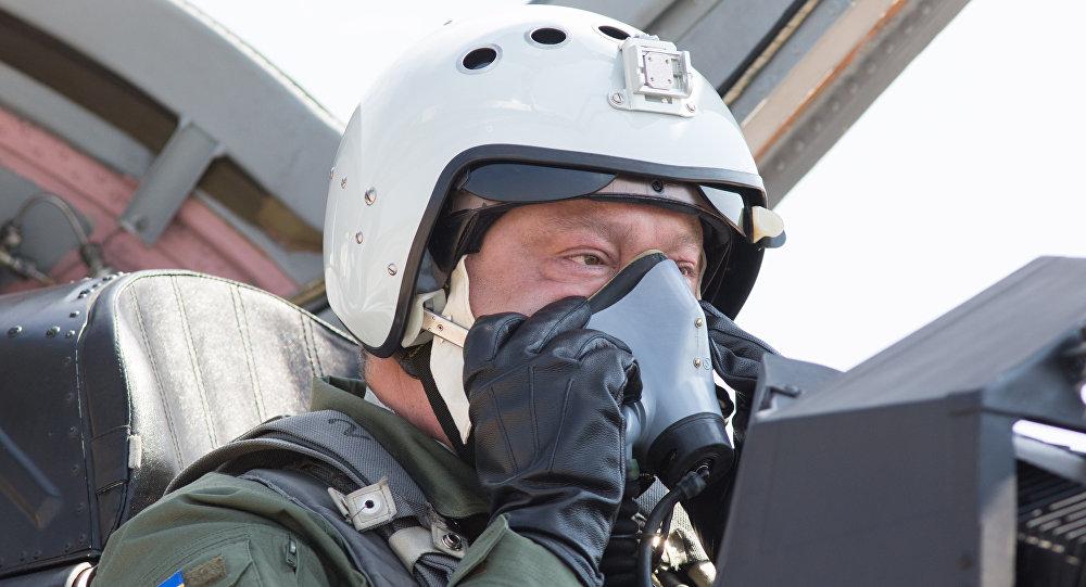 Líder ucraniano voa em MiG-29, 5 de agosto de 2017