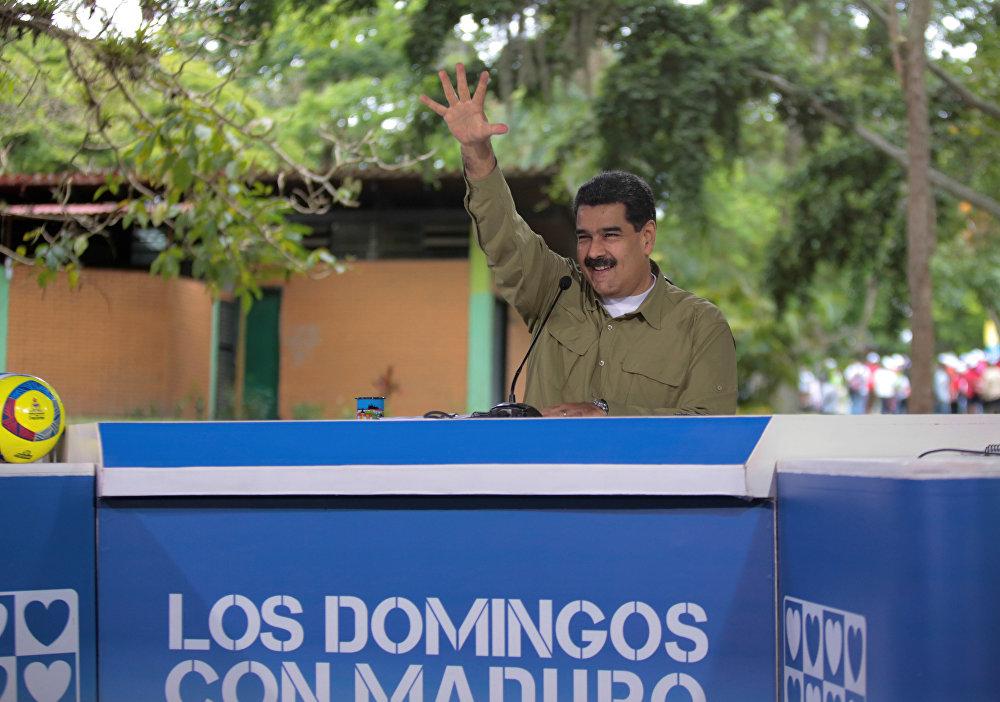 O presidente da Venezuela, Nicolás Maduro, fala durante sua transmissão semanal Los Domingos con Maduro em Caracas, Venezuela 6 de agosto de 2017.