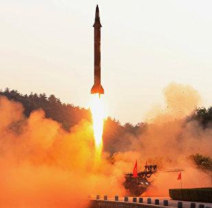 Lançamento de míssil balístico da Coreia do Norte