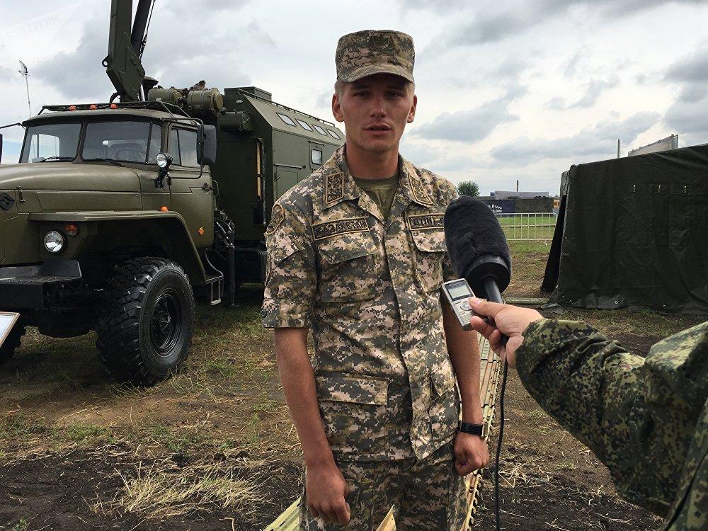 O tenente Stanislav Van, comandante da equipe cazaque no Rembat 2017