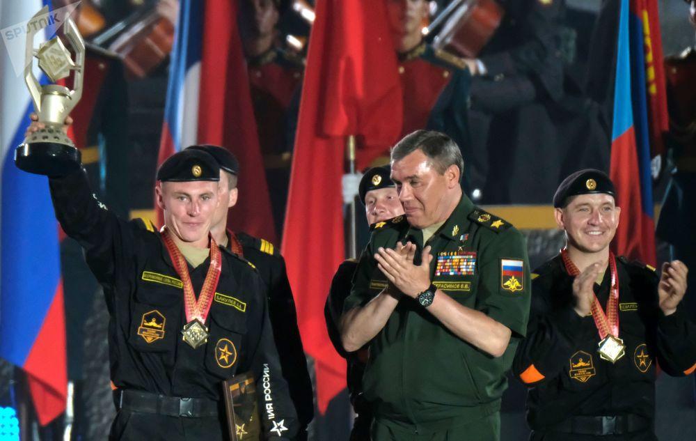 Chefe do Estado-Maior russo, general Valery Gerasimov, durante a cerimônia de atribuição de medalhas