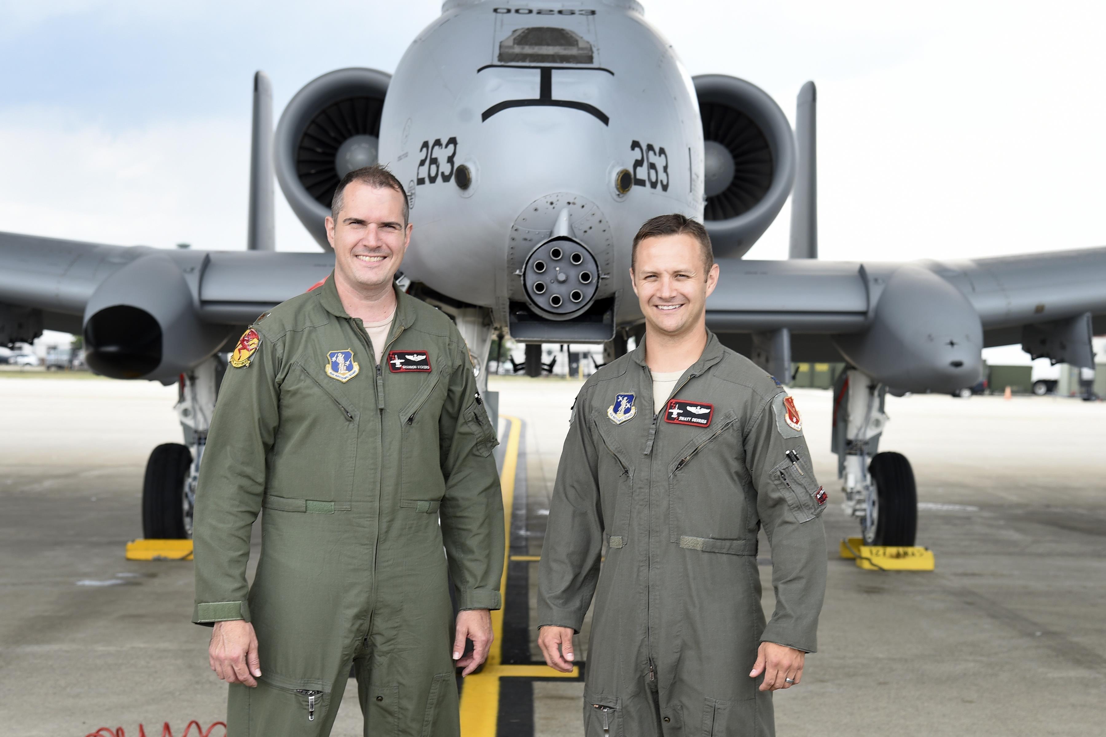Pilotos Shannon Vickers e Brett DeVries