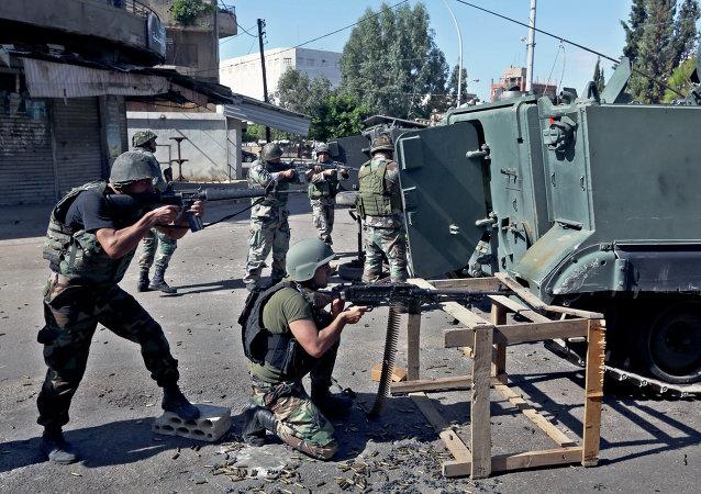 Exército libanês combate jihadistas em Tripoli (Arquivo)