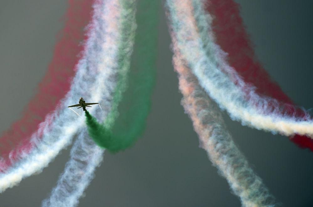 Show aéreo realizado por ocasião do Dia da Independência do Paquistão