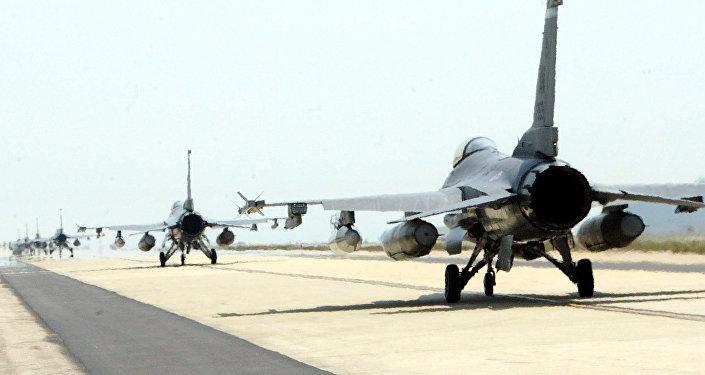 Caças F-16 da Força Aérea dos EUA (foto do arquivo)