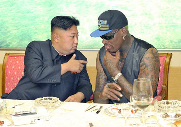Dennis Rodman conversando com Kim Jong Un