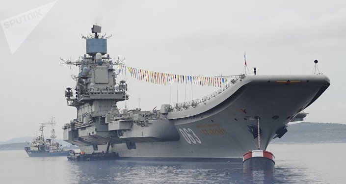 Porta-aviões russo Admiral Kuznetsov (foto de arquivo)