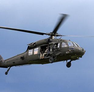 Helicóptero dos EUA Black Hawk