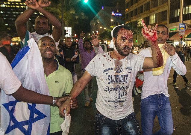 Manifestação de judeus etíopes contra o racismo e a violência policial em Tel Aviv