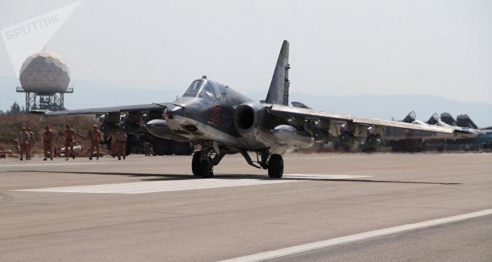 Pilotos militares russos na base aérea de Hmeimim na Síria