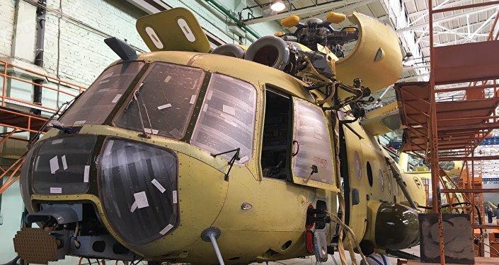 Montagem de um helicóptero na fábrica de Kazan