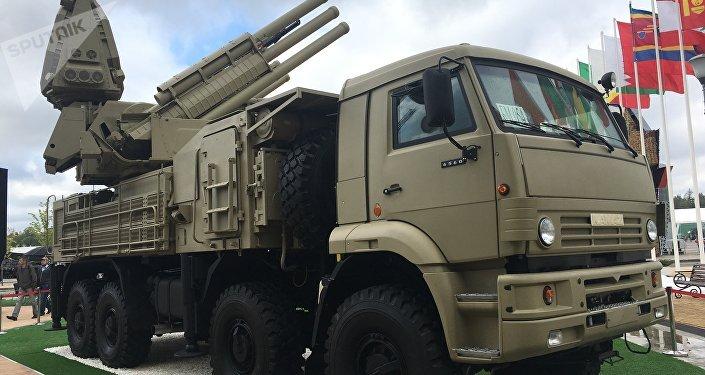 Sistemas de defesa antiaérea Pantsir-S1 na exposição EXÉRCITO 2017