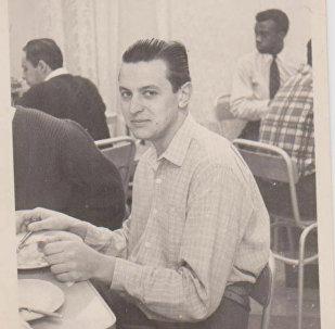 Vladimir Roslik durante estudos em Moscou