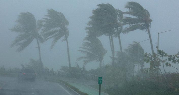 Furacão Irma atinge o Caribe