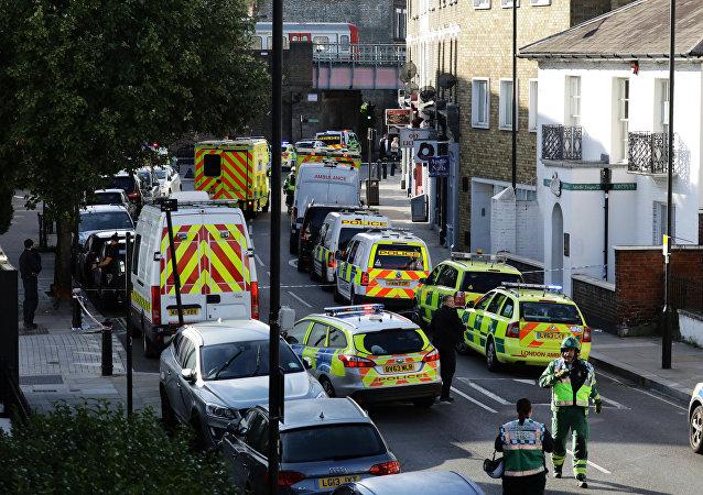 Carros da polícia perto da estação de metrô Parsons Green após informações sobre explosão em Londres, Reino Unido, em 15 de setembro de 2017