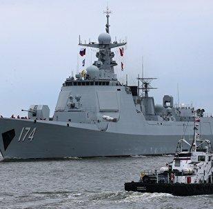O destróier Hefei da classe 052D da Marinha chinesa chega a Baltiysk para os treinamentos da China e da Rússia Cooperação Naval 2017