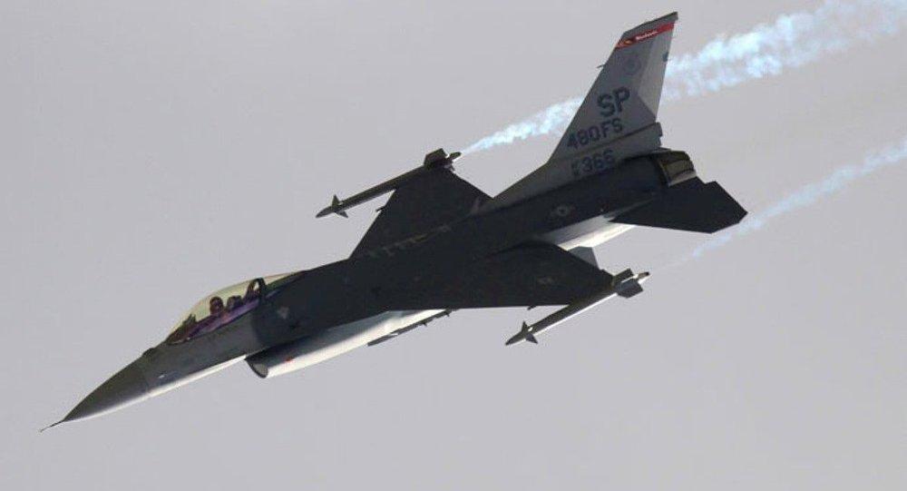 Avião F-16 (foto de arquivo)