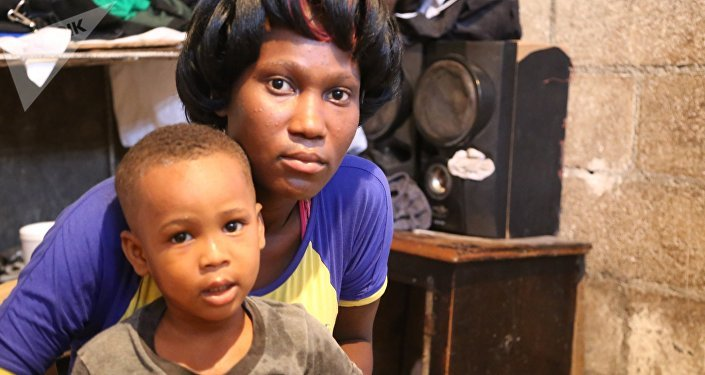 Franckline Possible (20 anos) ficou doente da cólera enquanto ainda estava grávida do filho, Marcovens Jeffrey Possible (hoje com 3 anos): Achei que fosse perder o bebê.