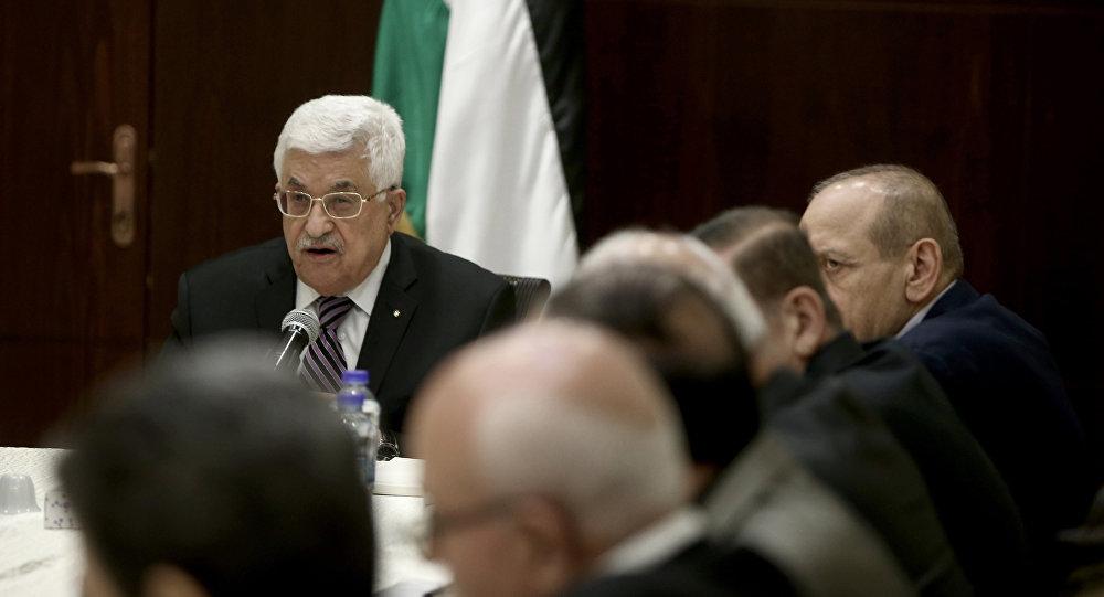 Presidente Palestino Mahmoud Abbas preside na reunião da Organização para a Libertação da Palestina em Ramallah