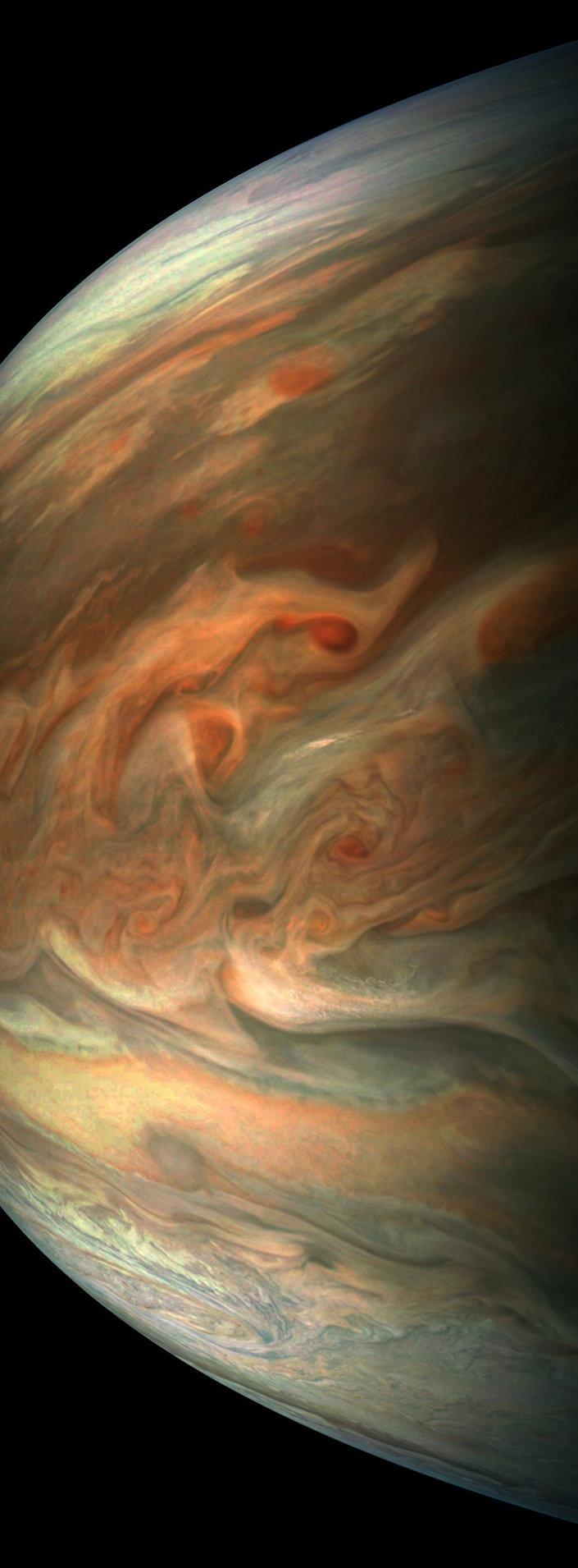 Imagem impressionante de Júpiter tirada pela sonda Juno durante seu oitavo voo