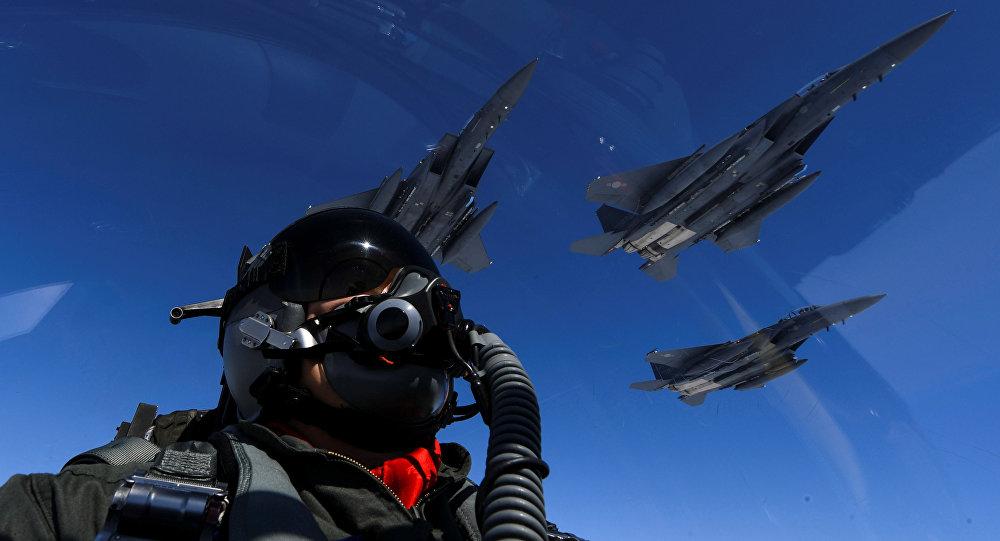 Dois Lanceiros B-1B das Forças Aéreas dos EUA