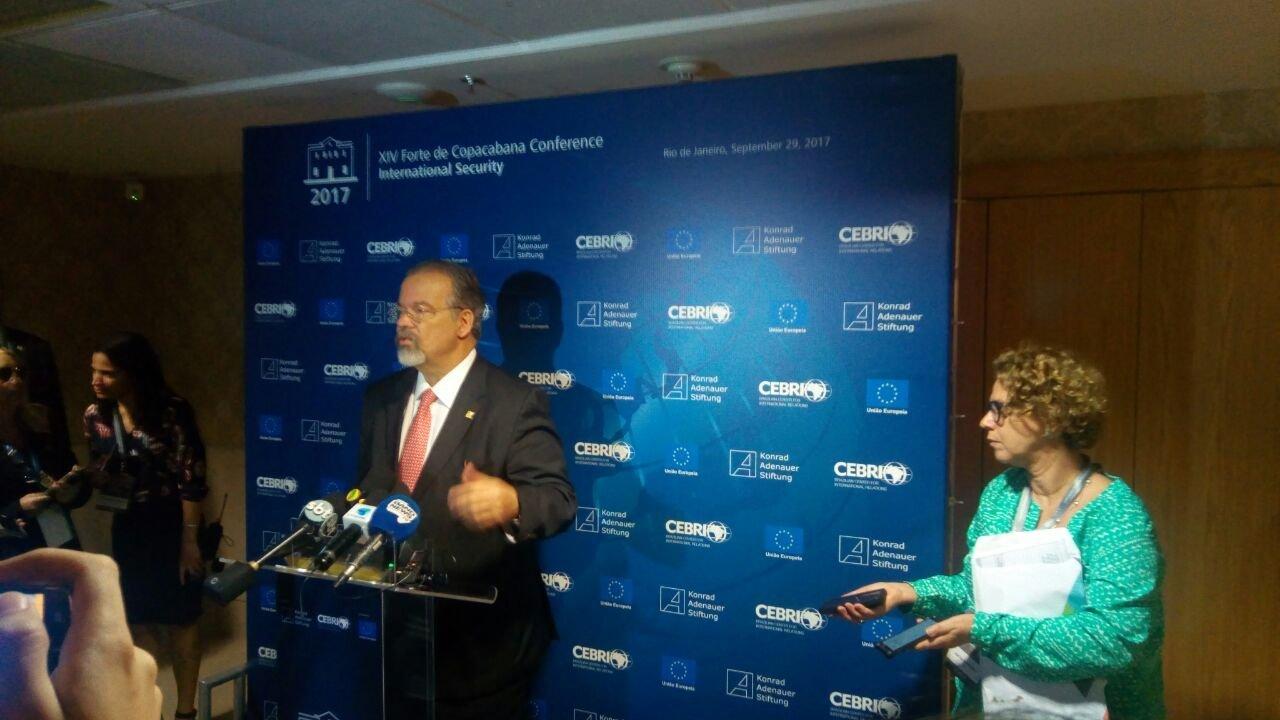 Ministro da Defesa, Raul Jungmann, em coletiva de imprensa durante a XIV Conferência de Segurança Internacional do Forte de Copacabana