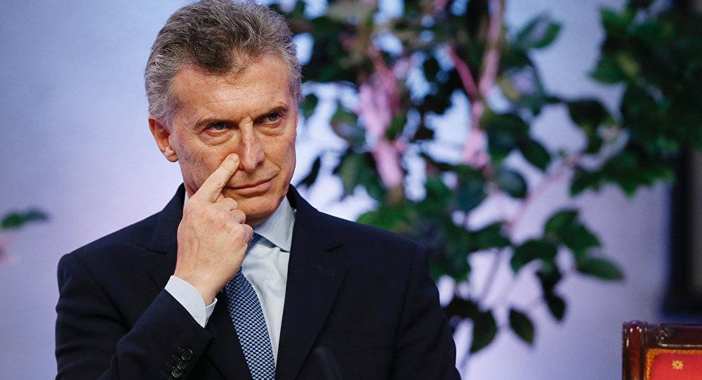 Resultado de imagem para Juiz intima primo de Macri e ex-ministros de Cristina Kirchner