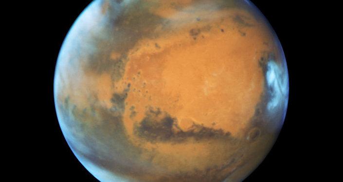 Investigadores acreditam ter encontrado água em estado sólido em Marte