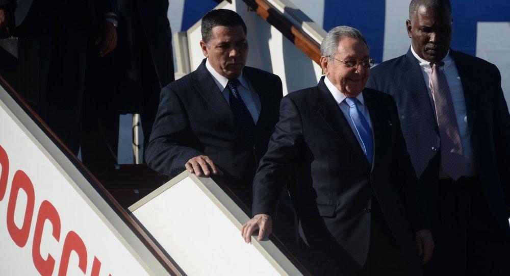 Líder cubano Raúl Castro chega a Moscou