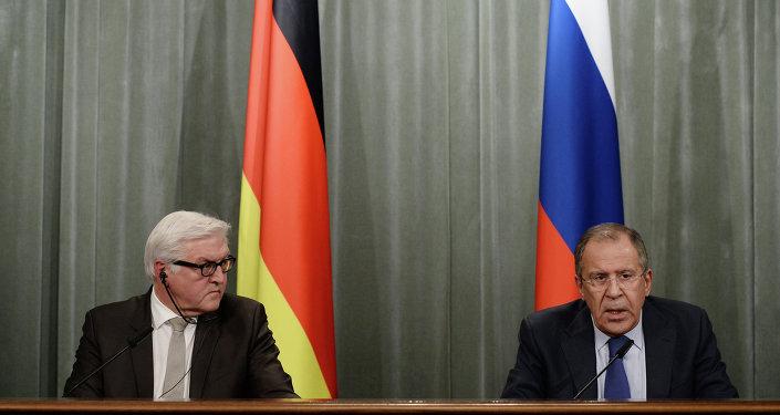 Sergei Lavrov se encontra com Frank-Walter Steinmeier