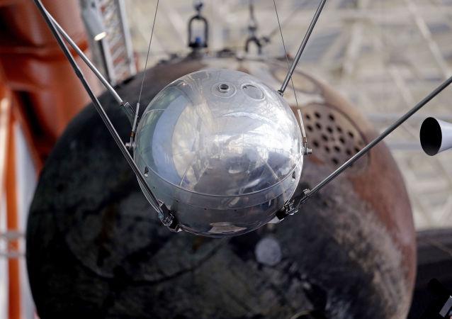 O primeiro satélite artificial da Terra exibido em um museu de Seattle, EUA