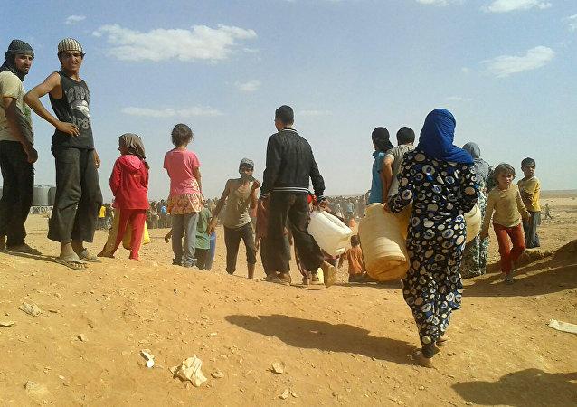 Refugiados sírios no acampamento de Rukban, na fronteira sírio-jordaniana (foto de arquivo)